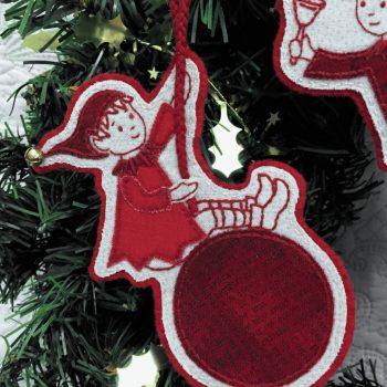 Sandy's Swinging Elves - sweet swinging elf